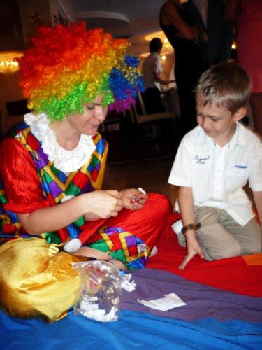 klown na animacje, animator clown, promocja firmy zabawy dla dzieci