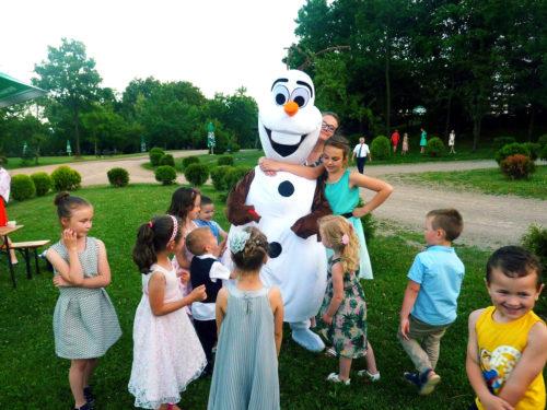 maskotka animacyjna Olaf z Krainy Lodu, wynajem maskotki animacyjnej, animacje dla dzieci kraków i okolice krakowa