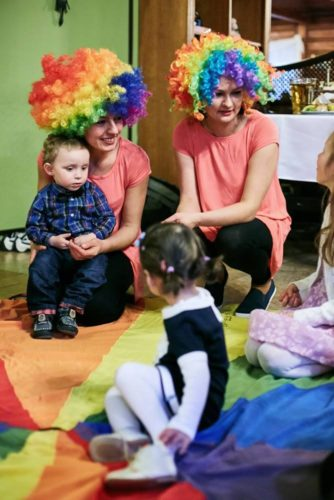 opieka nad dziećmi na weselu, animacje dla dzieci, nianie na wesele
